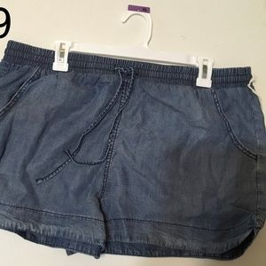 womens pull on shorts light wash